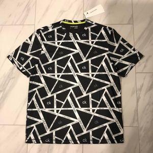 NWT Men's Calvin Klein T-Shirt